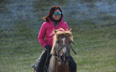 【我们旅行中】在中亚的吉尔吉斯斯坦骑马奔驰