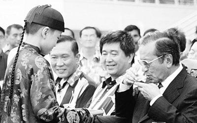 【就差你一票】华团为首相庆生太超过了?
