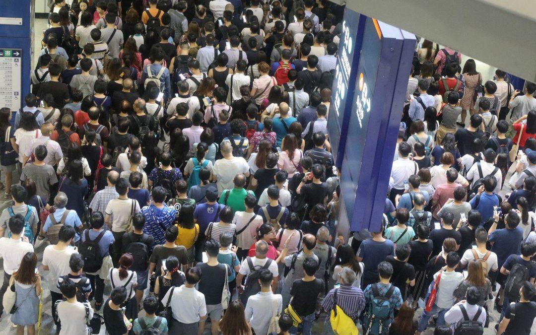 【全球Focus】香港打风 打工仔找特首出气?