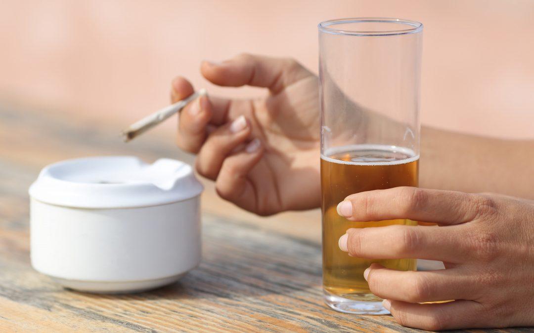 【就差你一票】禁烟禁酒=戒烟戒酒?