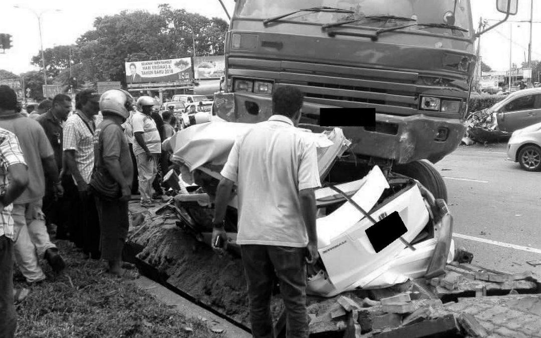 【下班有话题】罗里及长巴司机的精神状态,是酿成车祸命案的主因?