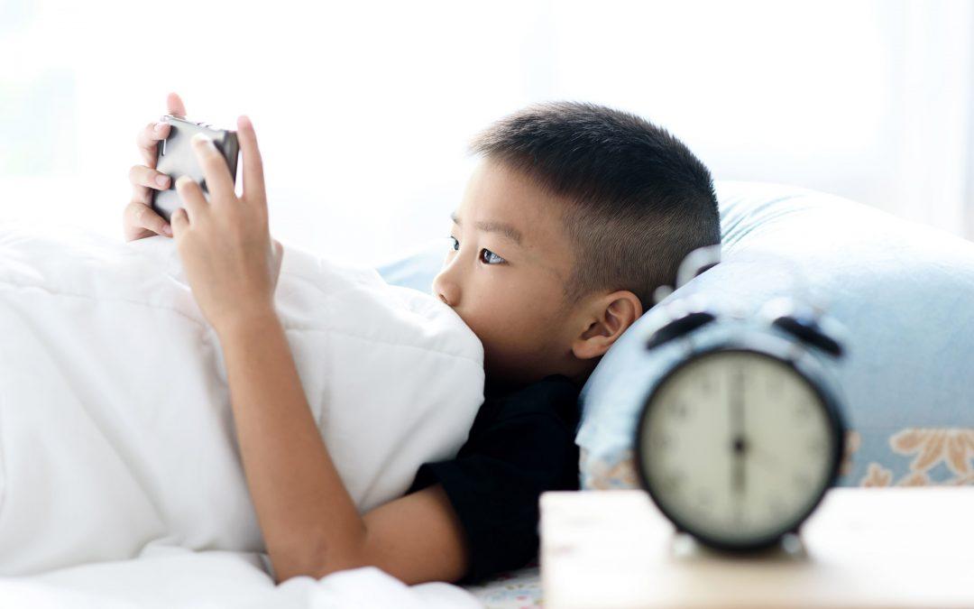 """【健康医把抓】你的孩子是否有""""荧幕依赖症""""?"""