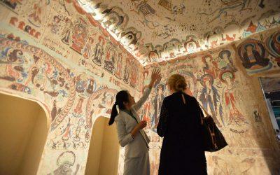 【我们旅行中】黄沙洗礼千年的艺术殿堂-敦煌石窟
