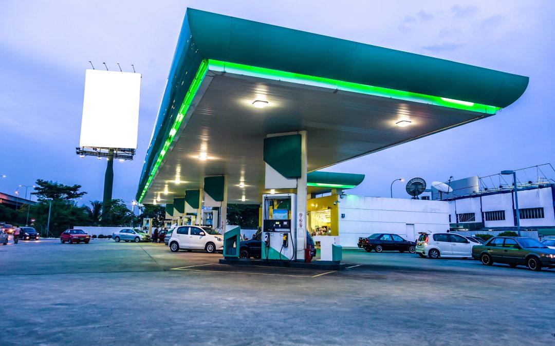 【财经+】油站业者要怎么加油?