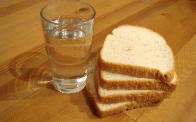 【就差你一票】大学生日常饮食-面包白开水