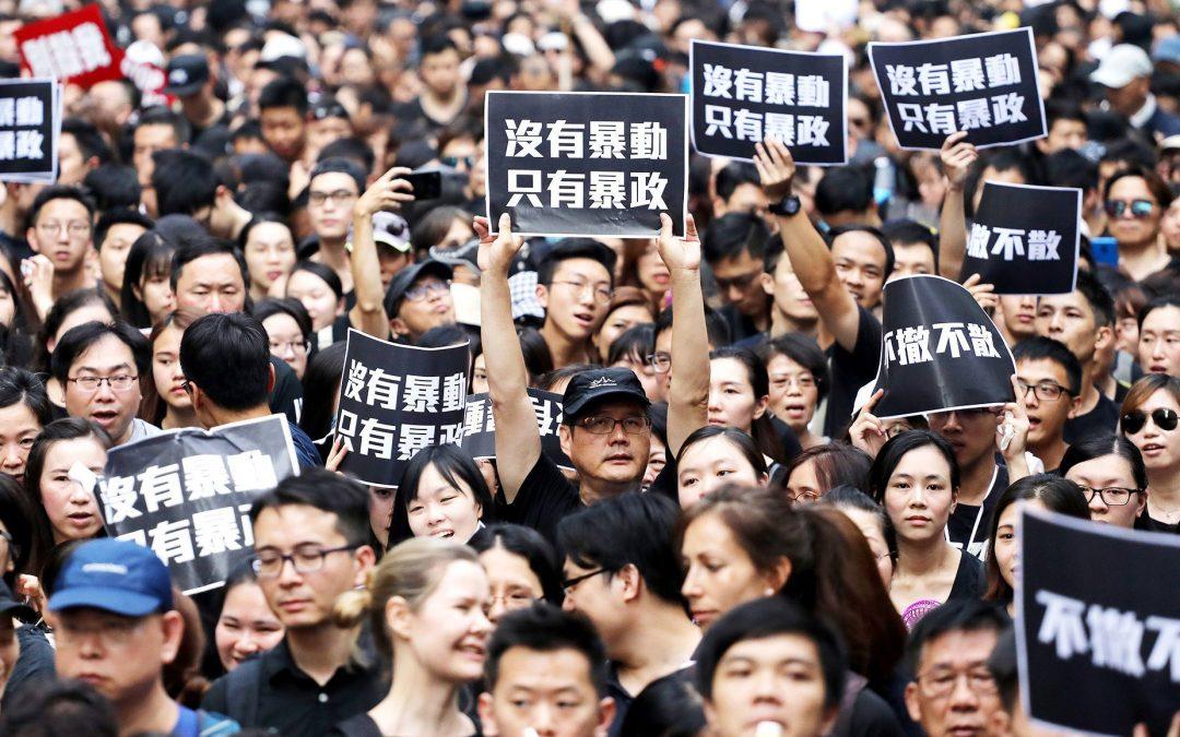 【就是有话说】为什么参加反送中游行的香港年轻人这么多?