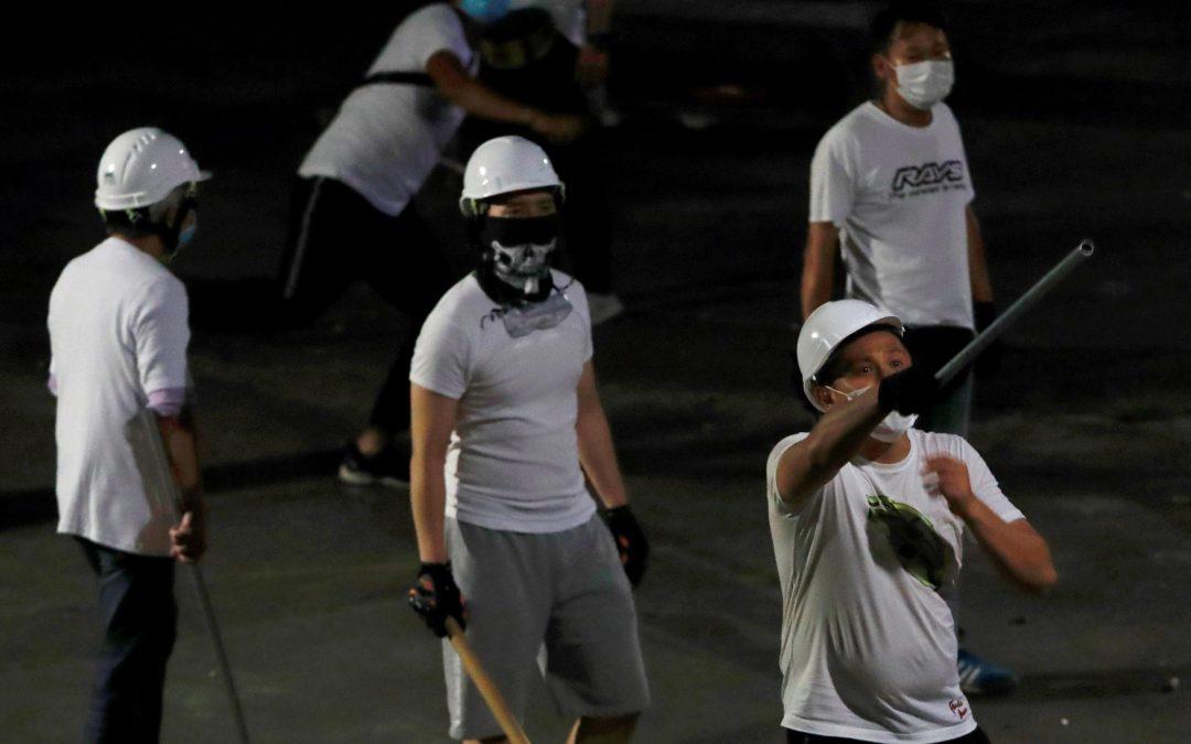 """【早班精华】香港白衣人暴力是警方与黑社会的""""大龙凤""""?"""