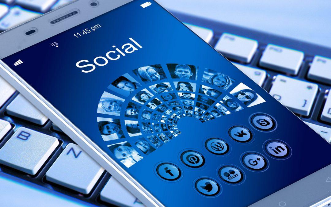 【下班有话题】危急时刻封锁社交媒体,可行吗?
