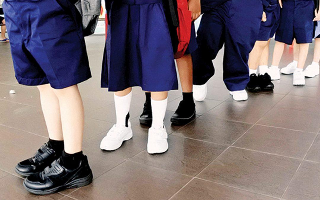【早班精华】免惊~黑鞋没有要换回白鞋