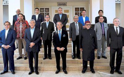 【下班有话题】马来政治的分裂和重组,如何影响大马的政治走向?