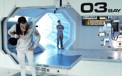 【一出好戏】科幻片《Moon》的机器人展露真善美,人类更像赚钱机器?
