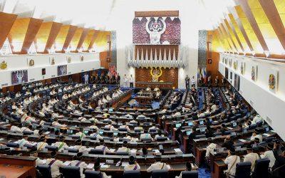 【下班有话题】紧急状态期间召开国会亮绿灯,接下来该关注什么?